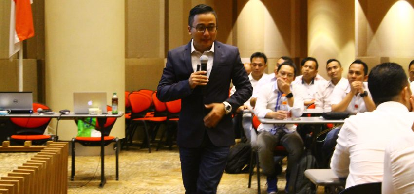 Services Excellence Training Untuk Informa
